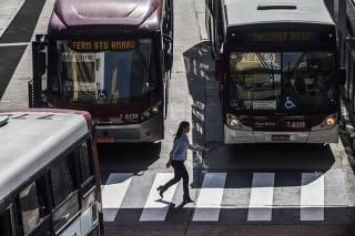 Verba de Doria para ônibus supera gastos com obras