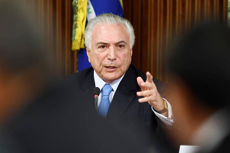 O presidente Michel Temer gesticula enquanto fala durante encontro com governadores no Planalto no último dia 1º