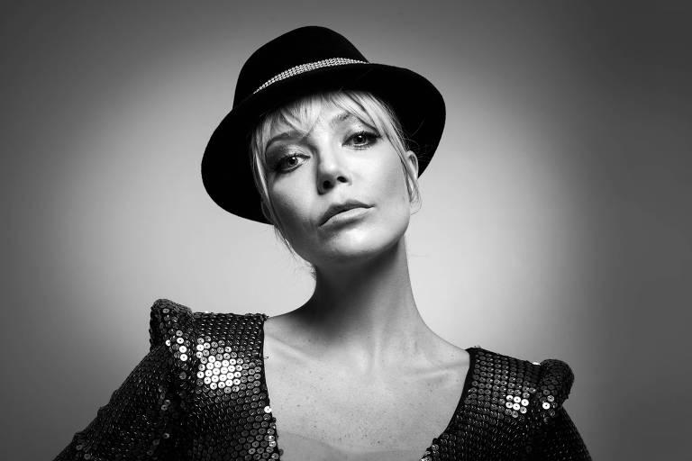 A cantora Luiza Possi