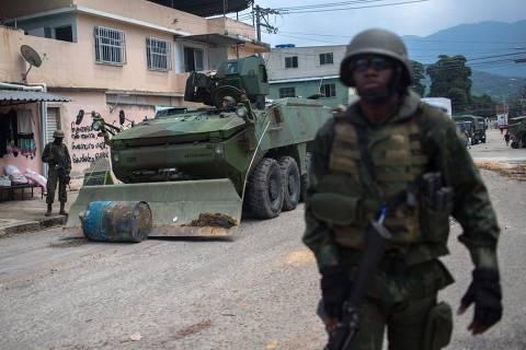 Exército encerra teste em favela do Rio um mês após início de intervenção