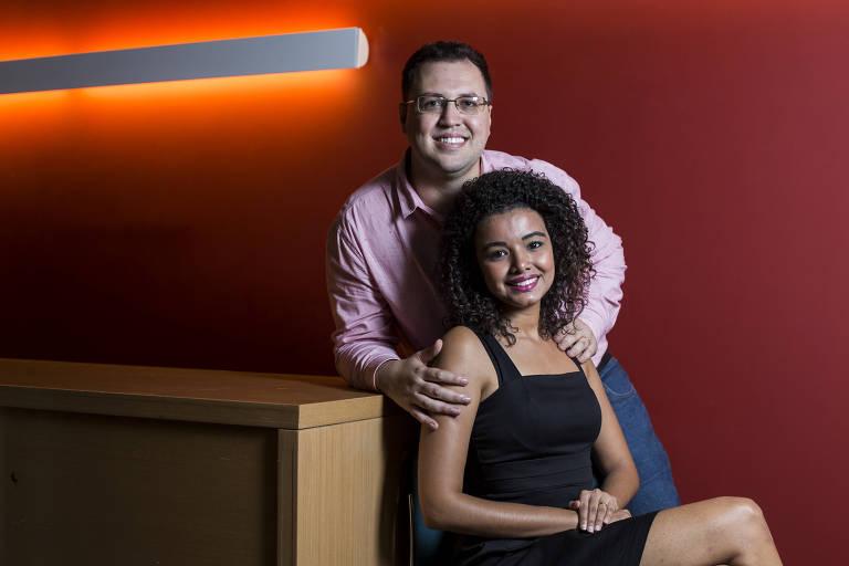 Rafael Ribeiro, autor da pesquisa sobre impacto da discriminação por gênero no crescimento econômico, e a esposa, Laise Pereira, que o inspirou a pesquisar o tema