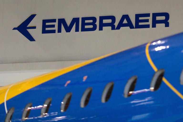 Logo da Embraer na sede da empresa, em São José dos Campos (SP)