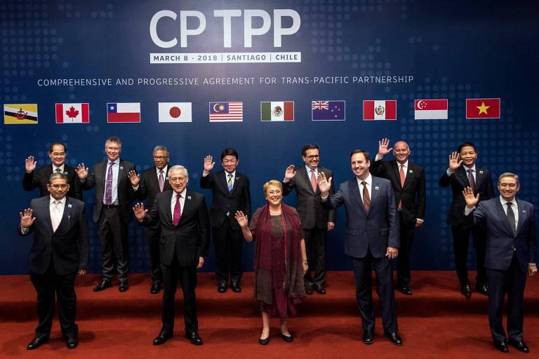 Autoridades de 11 países durante assinatura, em Santiago (Chile), do CPTPP, novo tratado de livre-comércio