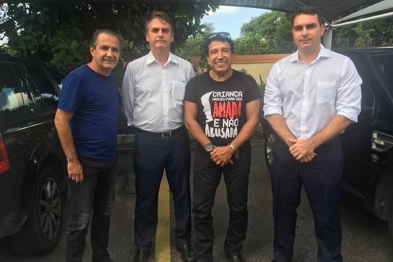 Magno Malta, Silas Malafaia, Jair e Flavio Bolsonaro em encontro no Rio