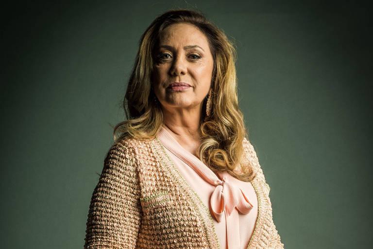 "Nádia (Eliane Giardini), de ""O Outro Lado do Paraíso"""