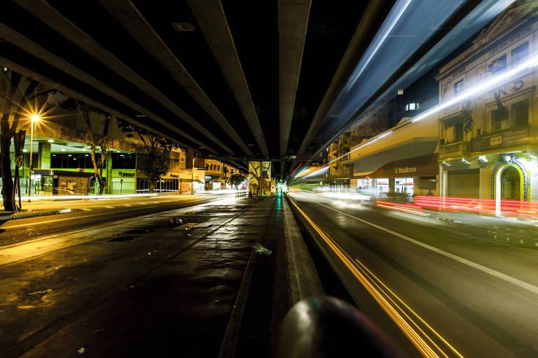 Iluminação pública em São Paulo