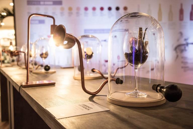 Atração no MorumbiShopping permite que os visitantes sintam aromas de vinhos