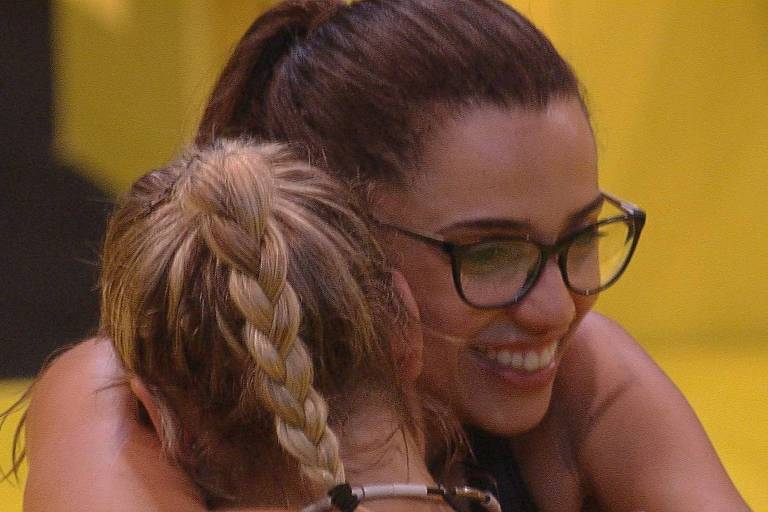 Paula e Jéssica vencem prova do líder após 14 horas de disputa