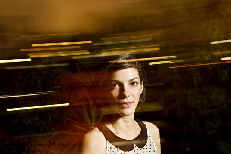 Retrato da cantora Bárbara Eugenia