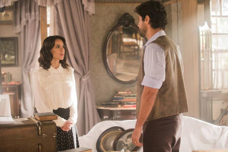 Inácio (Bruno Cabrerizo) acerta contas com Lucinda (Andreia Horta)