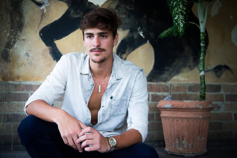 Bruno Montaleone como Johnny de 'O Outro Lado do Paraíso' (Globo)