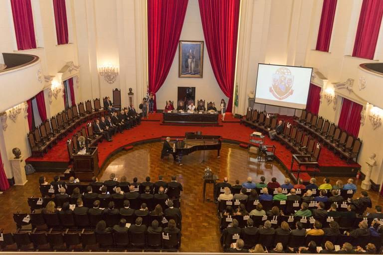 Sessão Solene do Conselho Universitário da USP, em homenagem aos 190 anos da Faculdade de Direito, em São Paulo