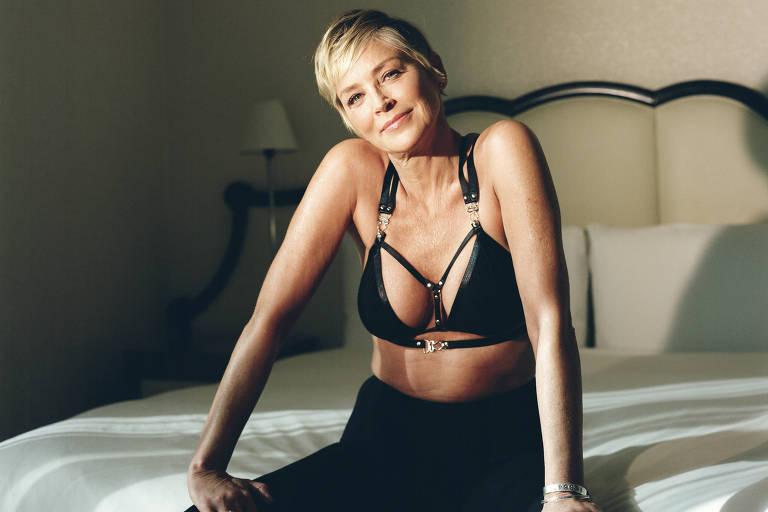 A atriz Sharon Stone no hotel Mondrian em Los Angeles, na Califórnia (EUA)