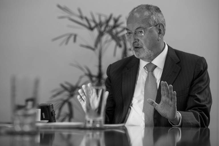 O secretário estadual da Educação de São Paulo, José Roberto Nalini, durante entrevista à Folha
