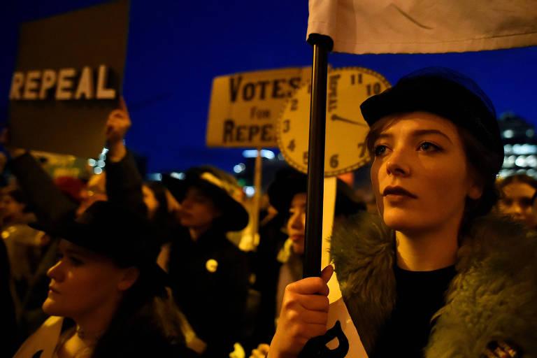 Marcha contra aliberação do aborto reúne 10 mil na Irlanda