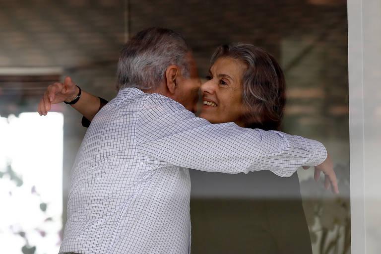 O presidente da República, Michel Temer, deixa a casa da presidente do Supremo Tribunal Federal, ministra Cármen Lúcia, em Brasília