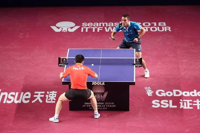614c45dff Jogo entre brasileiro Hugo Calderano e chinês Fang Zhendong na final do  Aberto do Qatar de