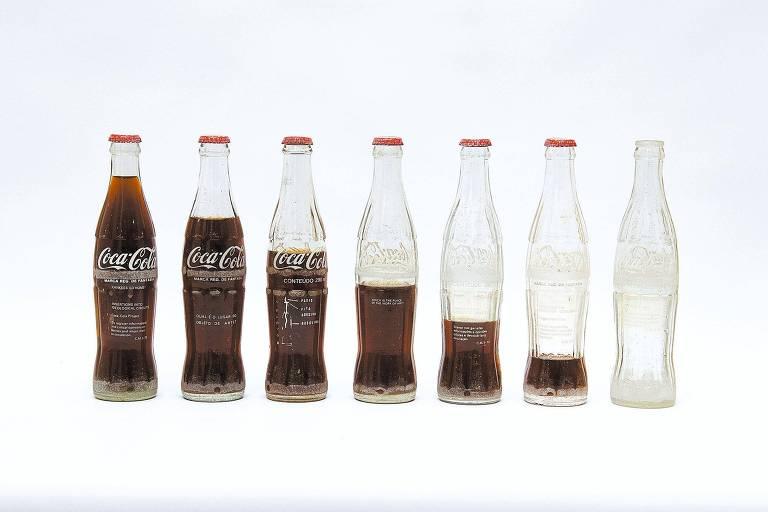 """""""Inserções em Circuitos Ideológicos: Projeto Coca-Cola"""", trabalho dos anos 1970 com críticas à ditadura e aos EUA"""