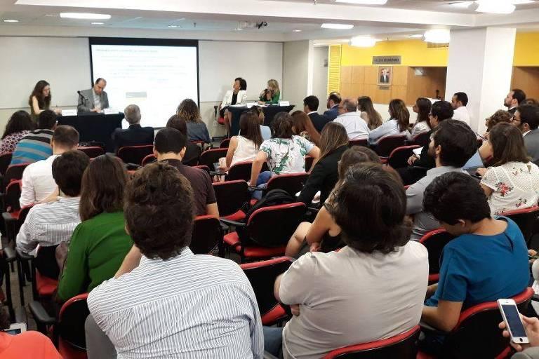 Especialistas debatem o debate o impacto das fake news na democracia em evento na FGV Direito SP
