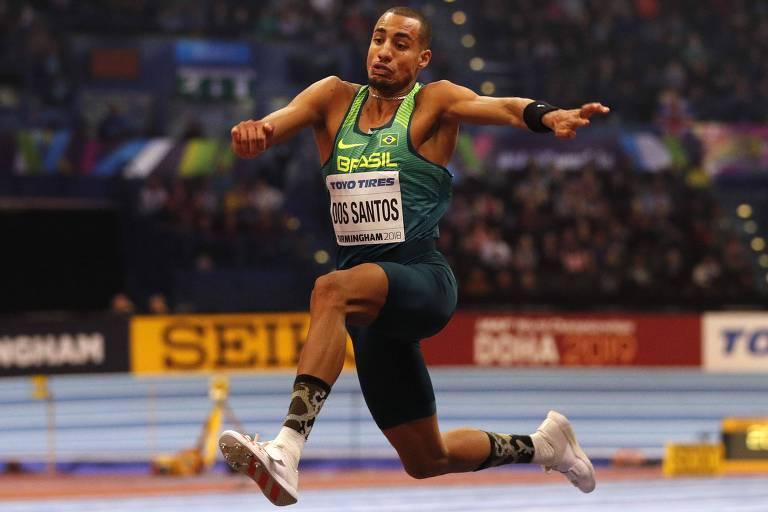 O brasileiro Almir dos Santos terminou o ano em 3º lugar no ranking do salto triplo