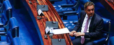 BRASILIA, DF,  BRASIL,  20-02-2018, 19h00: O senador Aécio Neves (PSDB-MG). Plenário do senado federal durante votação do Decreto de Intervenção no estado do RJ. O senador Eunício Oliveira (MDB-CE) preside a sessão e o senador Eduardo Lopes (PRB-RJ) é o relator. (Foto: Pedro Ladeira/Folhapress, PODER)