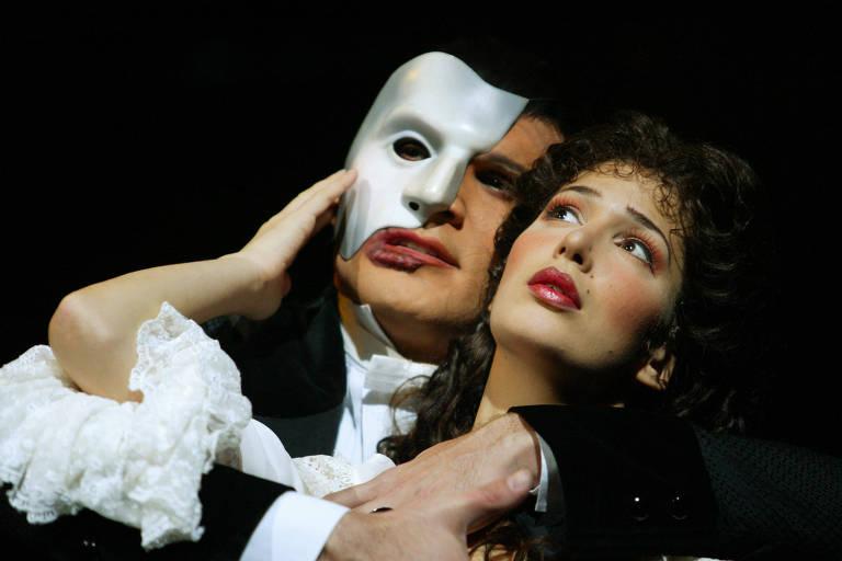 """Cena de montagem do musical """"O Fantasma da Ópera"""", que estreou no Brasil em 2005, no Teatro Abril"""