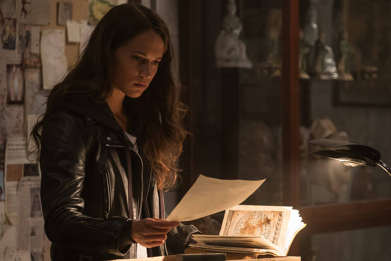 F5 Cinema E Series Alicia Vikander Vivera A Personagem Lara