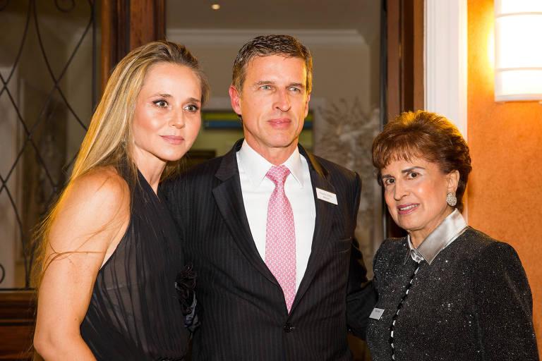 Patrícia e Ricardo Villela Marino e Milú Villela, anfitriões do evento