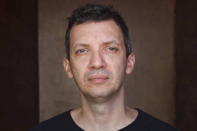 O escritor e editor Tiago Ferro