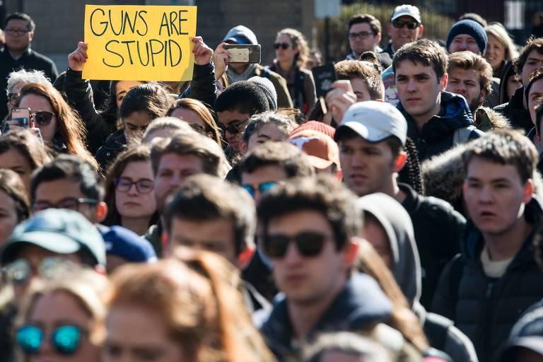 Estudantes protestam contra armas nos EUA