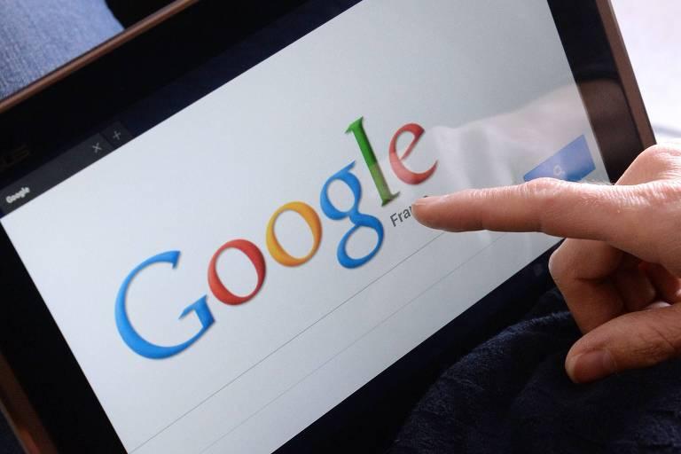 Página do Google em tablet em Rennes, na França
