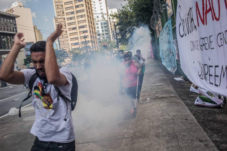 Professores protestam contra a reforma da Previdência Municipal
