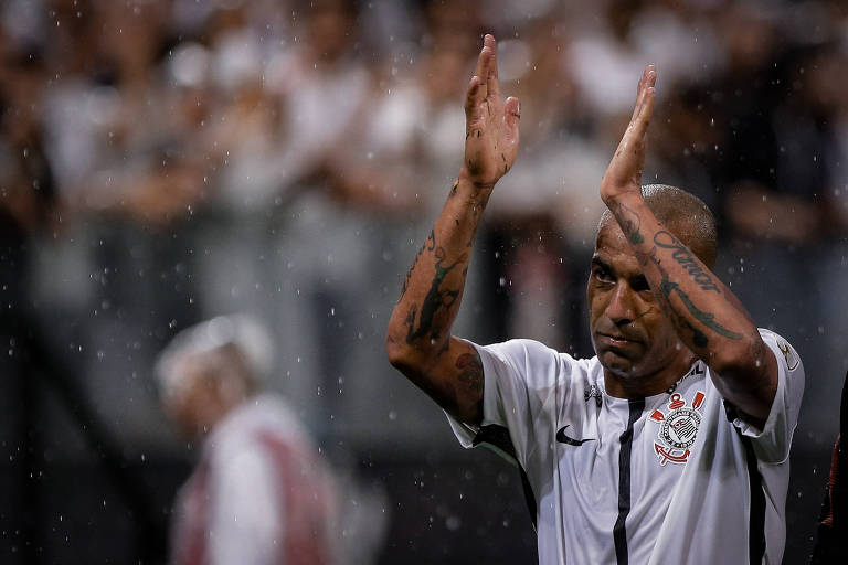 Emerson Sheik comemora gol contra o Deportivo Lara, na Libertadores de 20180