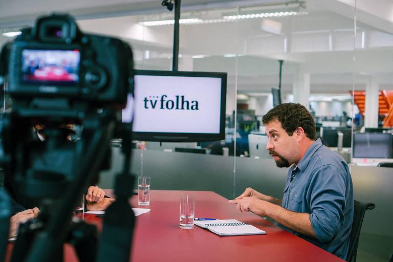 TV Folha ao vivo apresentado por Fernando Canzian e Fabio Zanini, com o entrevistado Guilherme Boulos