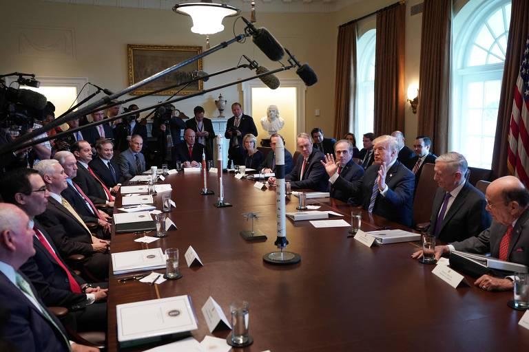 O presidente americano Donald Trump fala durante um encontro de seu gabinete na Casa Branca