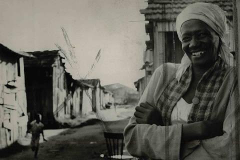 LOCAL DESCONHECIDO, 24-08-1960: Literatura: a escritora brasileira Carolina Maria de Jesus, autora de