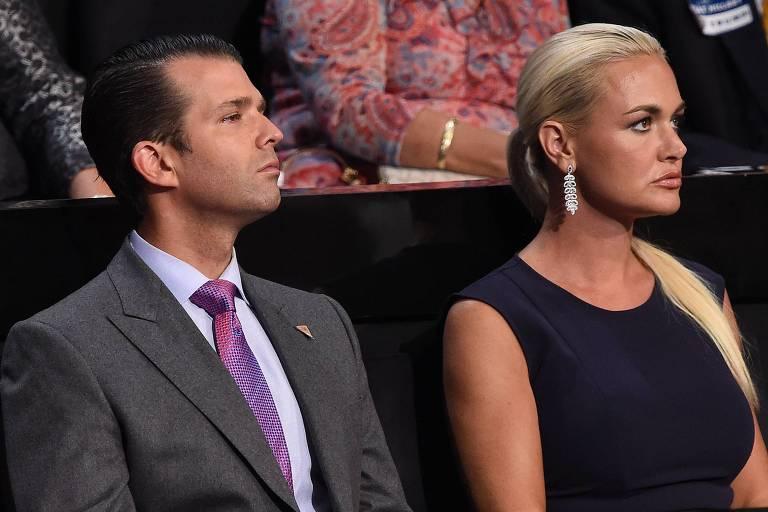 Donald Trump Jr. e sua ex-mulher, Vanessa, assistem ao discurso de Donald Trump na Convenção Republicana de 2016, quando foi declarado candidato do partido