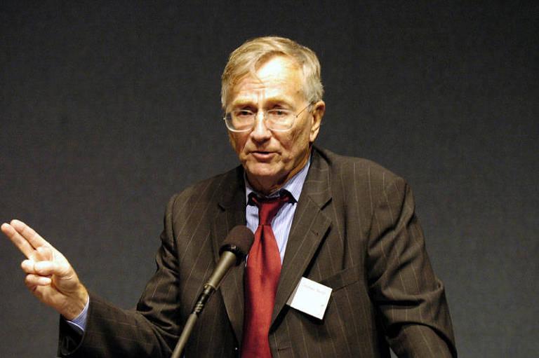 O jornalista Seymour Hersh, que expôs a 'operação-abafa' dos EUA para esconder o massacre de My Lai, no Vietnã