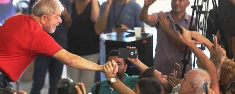 SAO  BERNARDO DO CAMPO   SP, BRASIL, 24-01-2018,  Movimentação no Sindicato dos Metalurgicos em SBC, no  dia do  julgamento do recurso de Lula, no TRF-4, que ocorre hoje em Porto Alegre.  O ex- predidente recorreu da decisao do juiz Sergio Moro, no caso do Triplex. (Foto: Evelson de Freitas/Folhapress COTIDIANO) ***EXCLUSIVO***