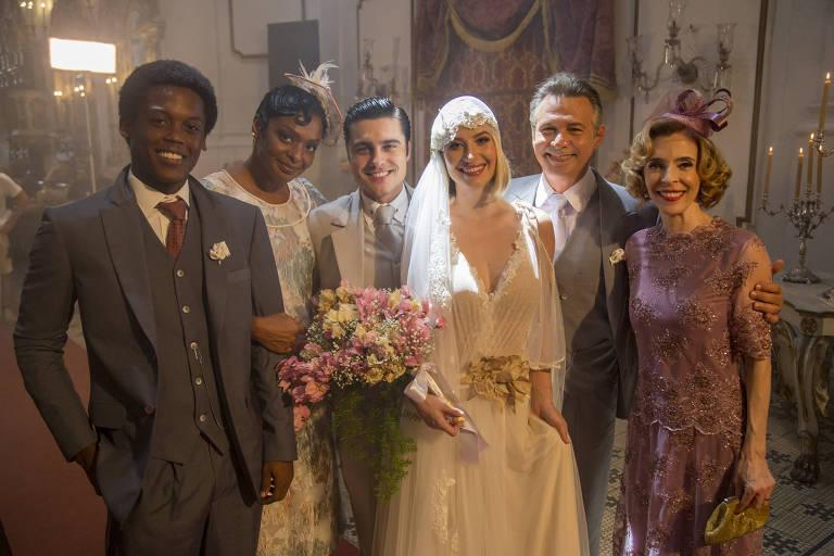 Pepito (Maicon Rodrigues), Balbina (Walkiria Ribeiro), Artur (Guilherme Leicam), Celina (Barbara França), Bernardo (Nelson Freitas) e Alzira (Deborah Evelyn