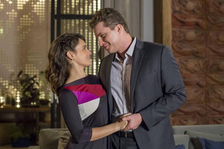 Clara (Bianca Bin) e Patrick (Thiago Fragoso) em 'O Outro Lado do Paraíso'