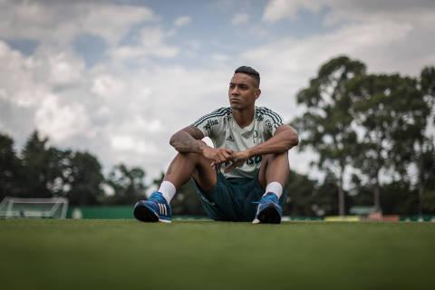 SÃO PAULO, SP, BRASIL, 22-02-2018: Antonio Carlos, jogador titular do Palmeiras, durante entrevista no CT da equipe. (Foto: Avener Prado/Folhapress, ESPORTE) Código do Fotógrafo: 20516 ***EXCLUSIVO FOLHA***