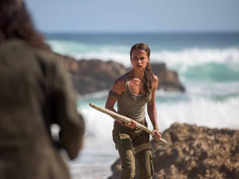 Alicia Vikander é Lara Croft em 'Tomb Raider: A Origem