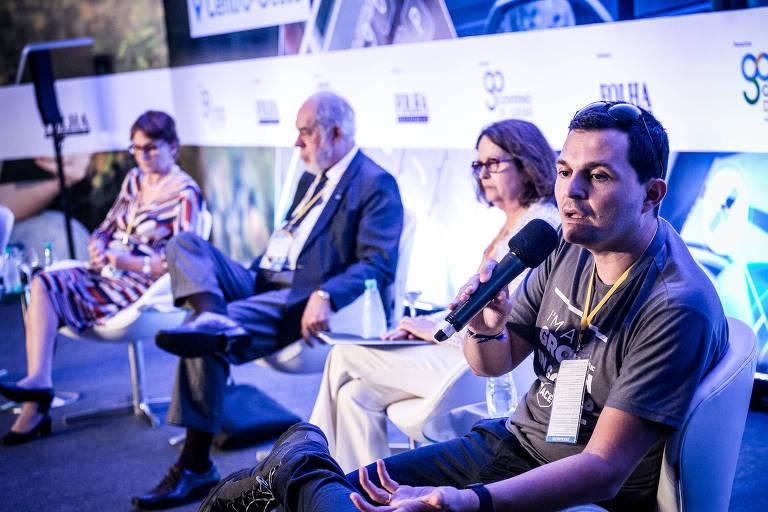 Da esq. p/ dir.: Helena Nader (presidente de honra da SBPC), Jorge Almeid Guimaraes (presidente da Emprapii), Maria Zaira Turchi (presidente da Fapeg) e Paulo Petrelli (do Instituto Gyntec), no evento da Folha em Goiânia