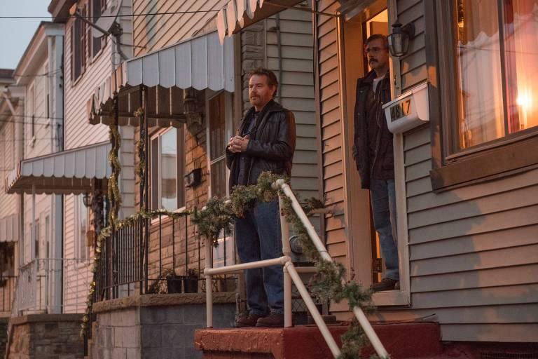 Bryan Cranston e Steve Carrel em cena de 'A Melhor Escolha'