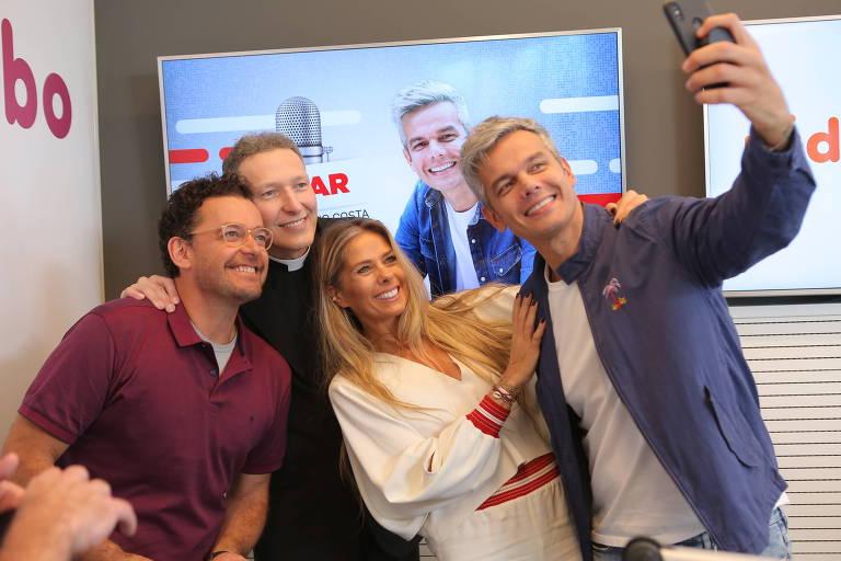 Os programas de entretenimento da rádio Globo, como os de Otaviano e Galisteu, estão com os dias contados