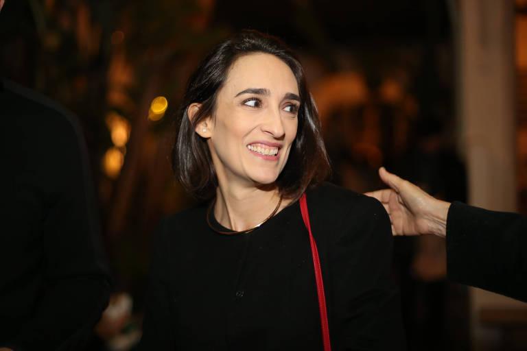 """A jornalista de moda Maria Prata no lançamento do livro """"Trinta e Poucos"""", de Antônio Prata, na Casa Samambaia em São Paulo (11.ago.2016)"""