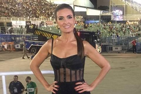Fátima Bernardes - https://www.instagram.com/p/BfEvT8Ehp4z/ - @rosinhapierantoni @melpaladino e @paesclaudia obrigada pelo carinho! #carnavalglobeleza - Reprodução/Instagram/fatimabernardes DIREITOS RESERVADOS. NÃO PUBLICAR SEM AUTORIZAÇÃO DO DETENTOR DOS DIREITOS AUTORAIS E DE IMAGEM