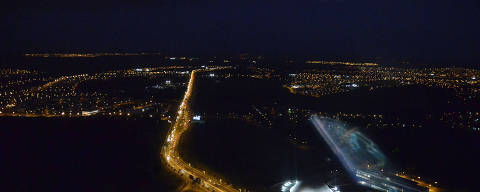Foto aérea da rodovia GO-020, com saída de Goiânia e destino a Bela Vista