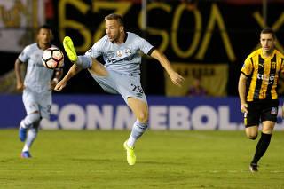 Football Soccer - Copa Libertadores - Paraguay's Guarani v Brazil's Gremio